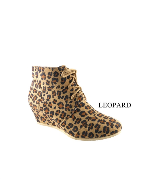 LACED BOOTIE STYLE WEDGE - orangeshine.com