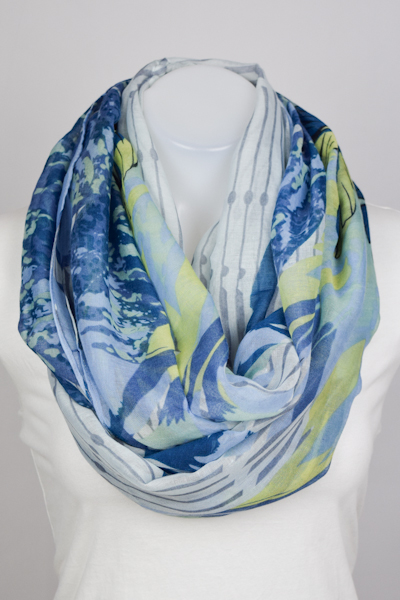 BLOOMING FEATHER PRINT SCARF - orangeshine.com