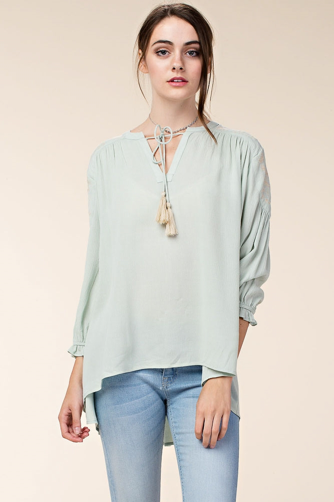 TOP W/ EMBROIDERED SHOULDERS - orangeshine.com