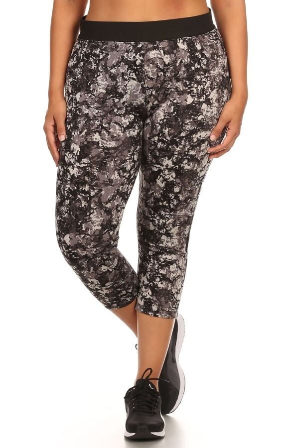 Plus Size Capri leggings Black - orangeshine.com