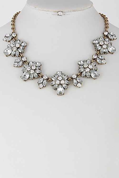 Rhinestone Flower Necklace - orangeshine.com