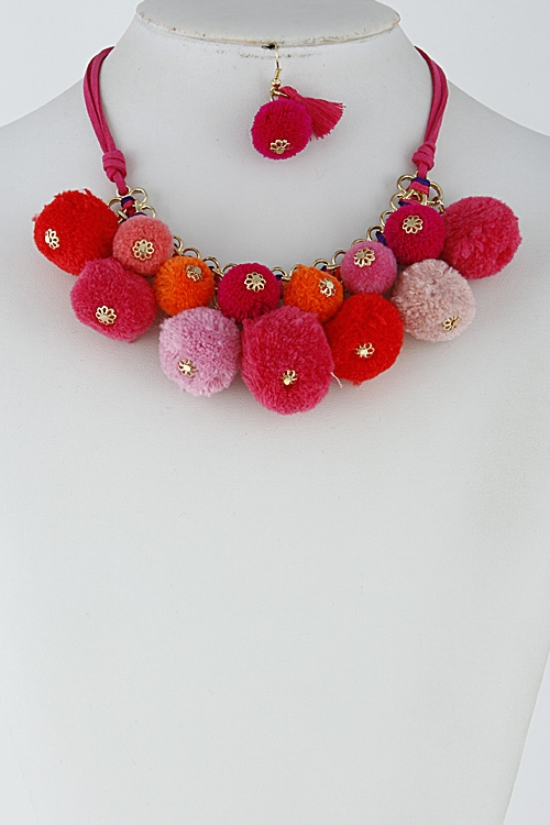Unique Puff Ball Necklace - orangeshine.com
