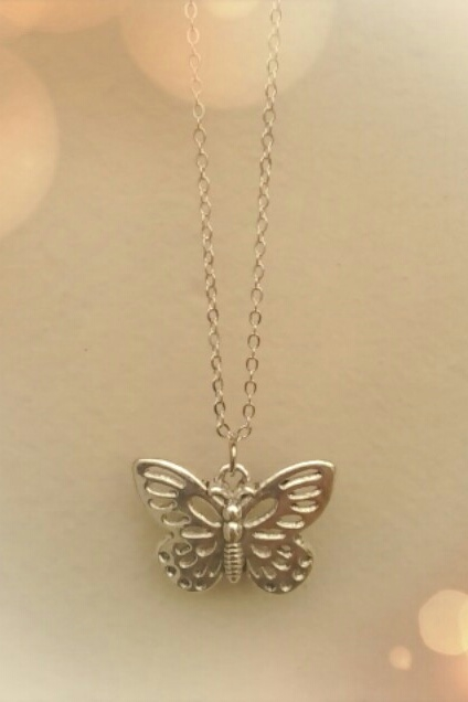 Sweet Butterfly necklace  - orangeshine.com