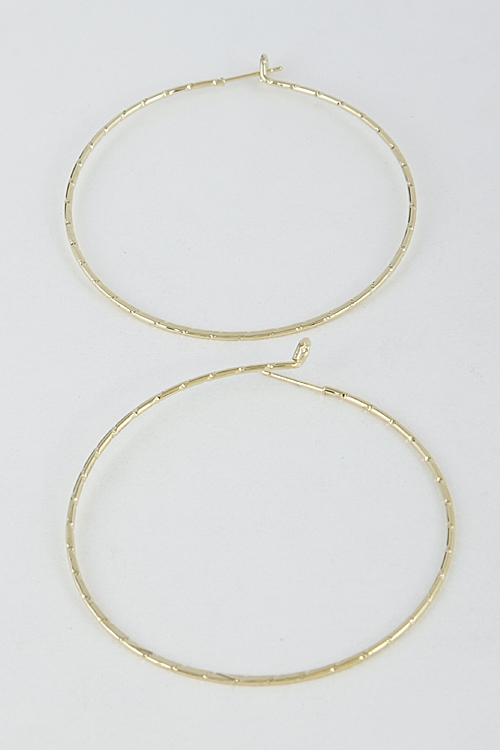 Shiny Patterned Hoop Earrings - orangeshine.com