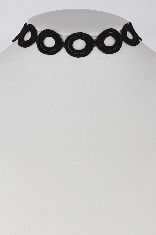 Circle Patterned Choker - orangeshine.com