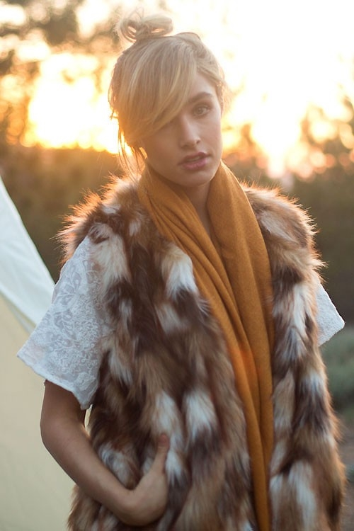WARM AND SOFTFAUX FUR VEST - orangeshine.com