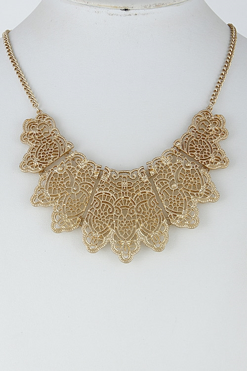 Intricate Pattern Necklace - orangeshine.com