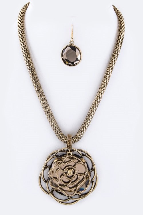 Crystal Rose Layer Necklace - orangeshine.com