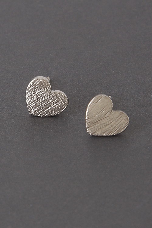 Solid Simple Heart Earrings - orangeshine.com