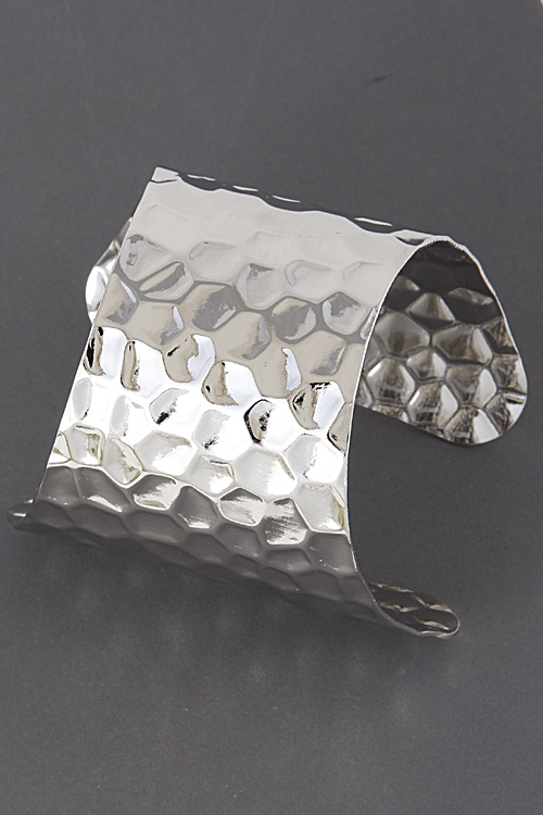 Hexagon Pattern Cuff Bracelet - orangeshine.com