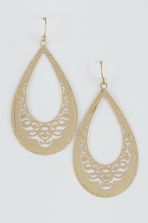 Oval Shape Pattern Earrings - orangeshine.com