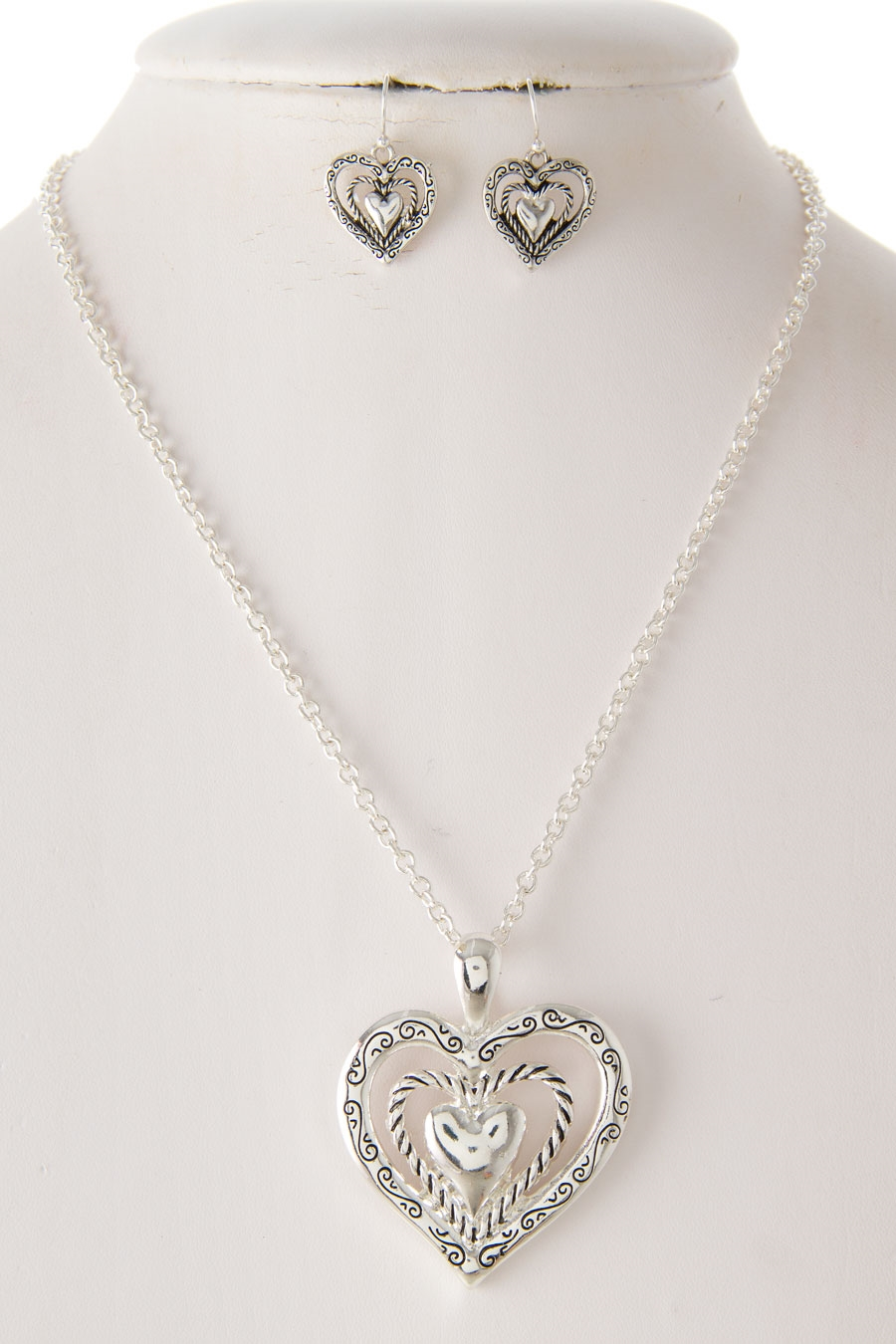 TRIPLE HEART PENDANT NECKLACE - orangeshine.com