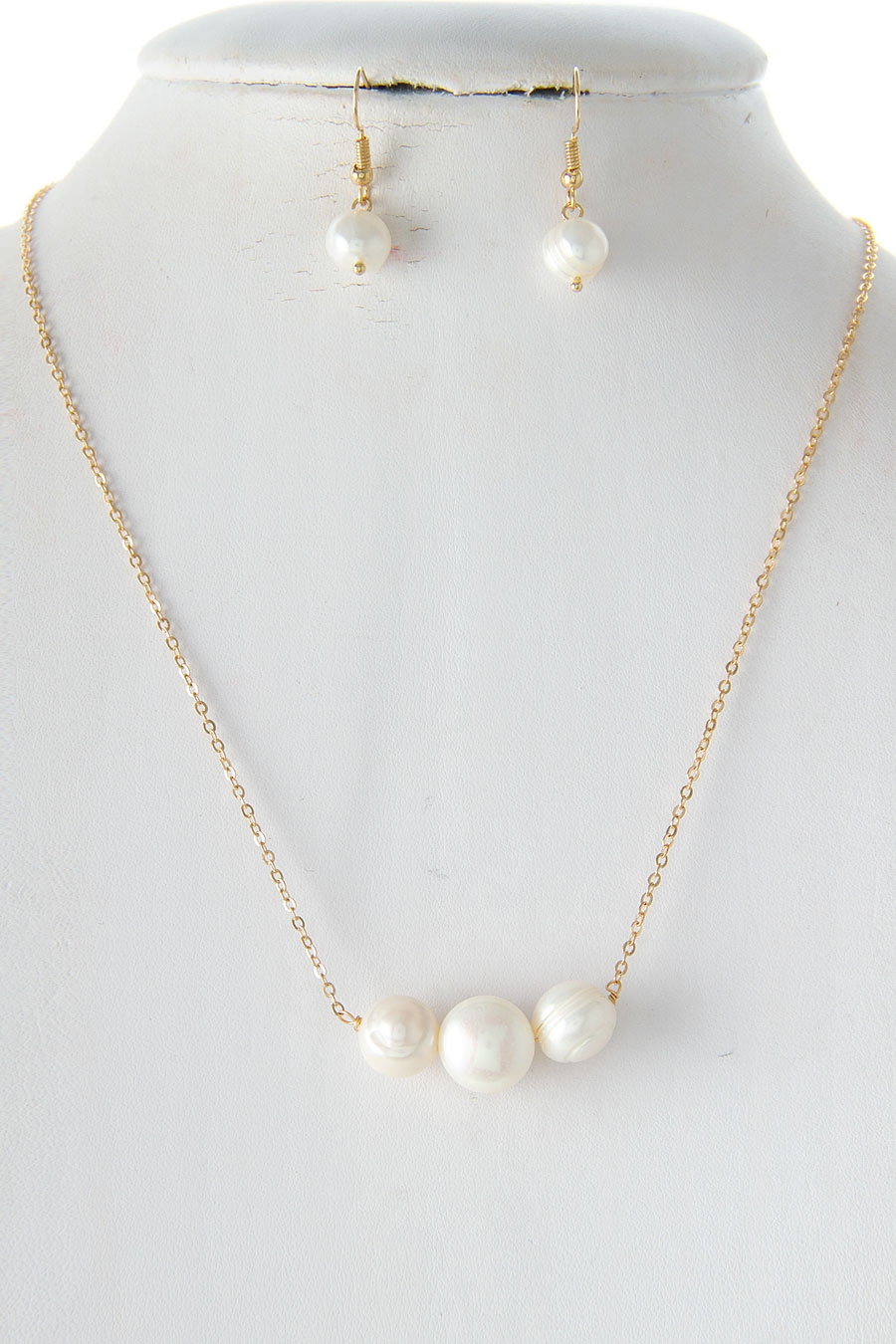 DAINTY PEARL NECKLACE SET - orangeshine.com