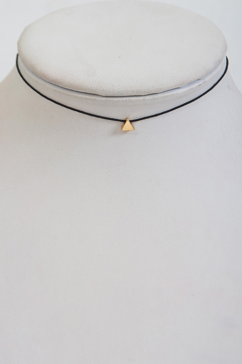 Plain Triangle Choker Necklace - orangeshine.com