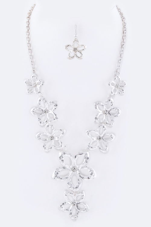 Crystal Metal Flowers Necklace - orangeshine.com