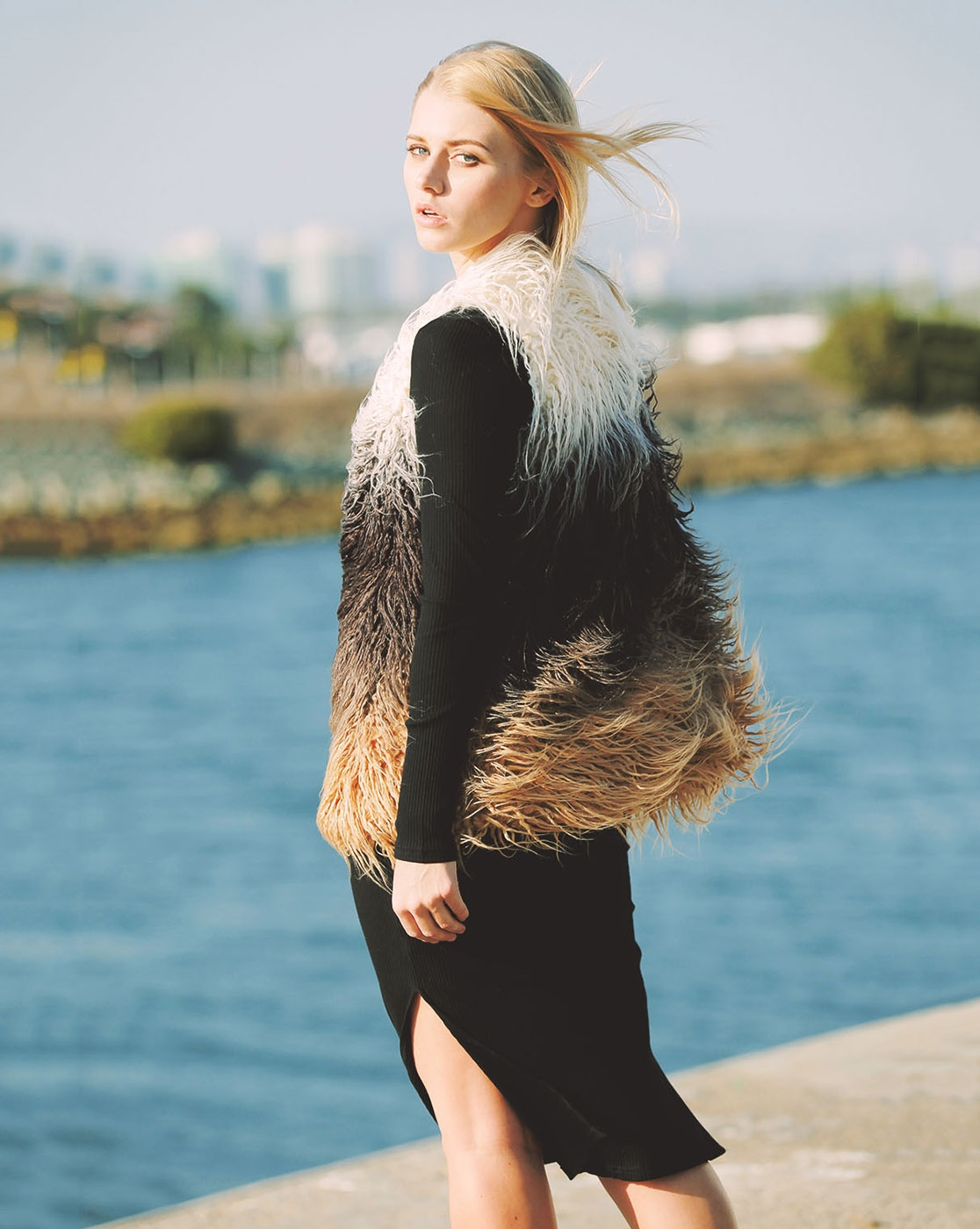TRIPLE OMBRE STRINGY FUR VEST - orangeshine.com