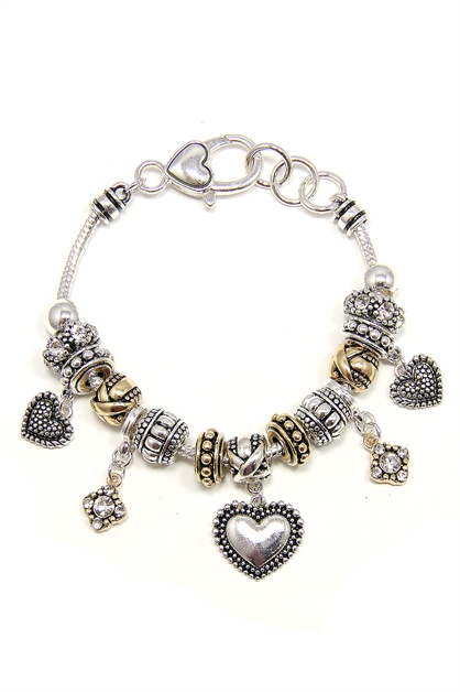 Adorable Heart Charm Bracelet - orangeshine.com