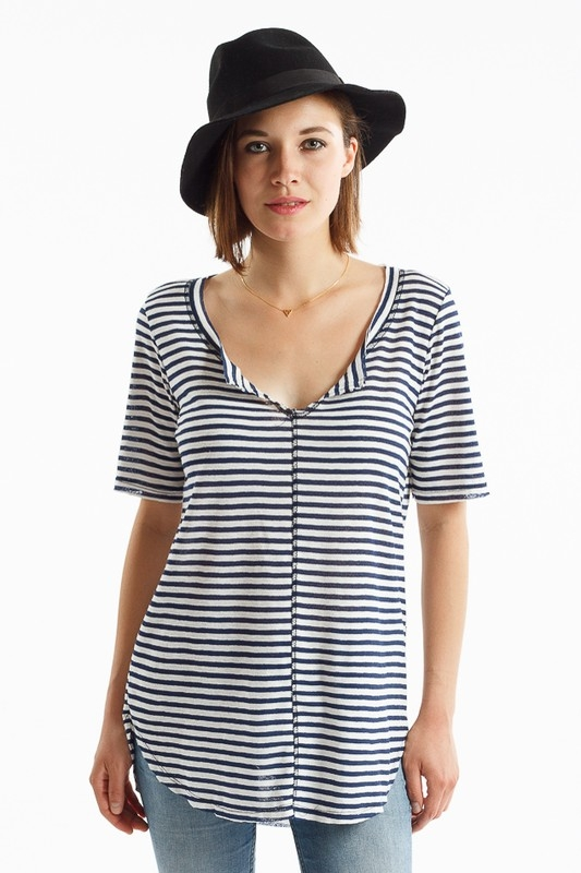 NAVY STRIPED V-NECK HI-LO TOP - orangeshine.com