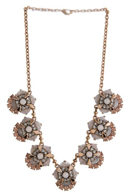 CLUSTER JEWELED FLOWER NECKLACE - orangeshine.com