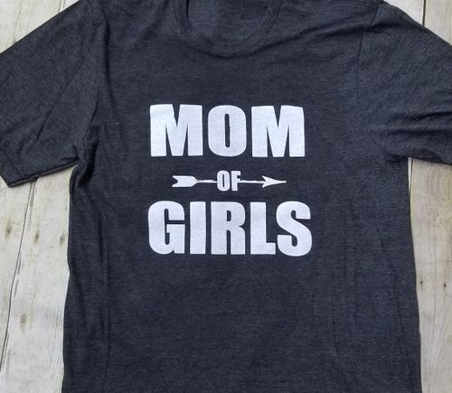 mom graphic tshirt - orangeshine.com