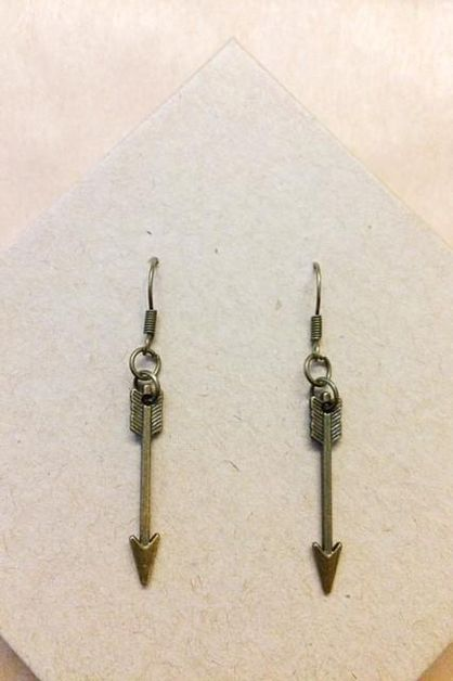 bronze small arrow earrings - orangeshine.com