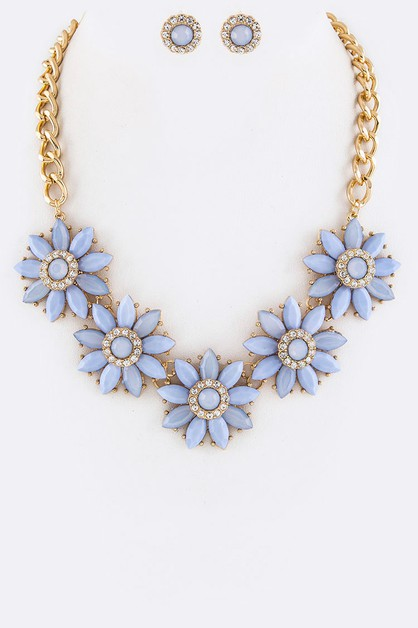 Crystal Flower Statement Necklace  - orangeshine.com