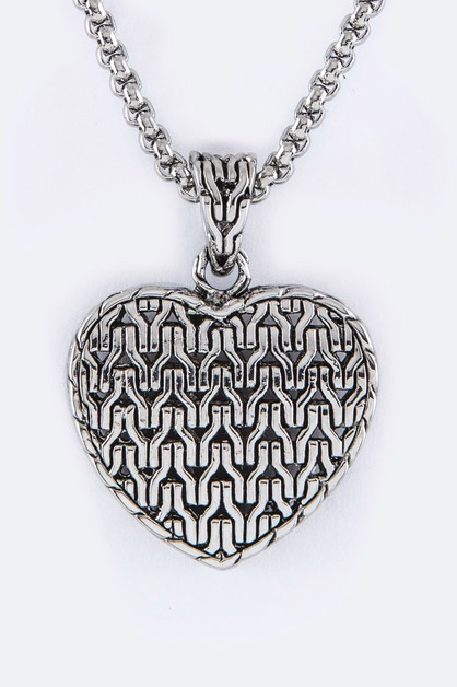 Textured Heart Pendant Necklace - orangeshine.com