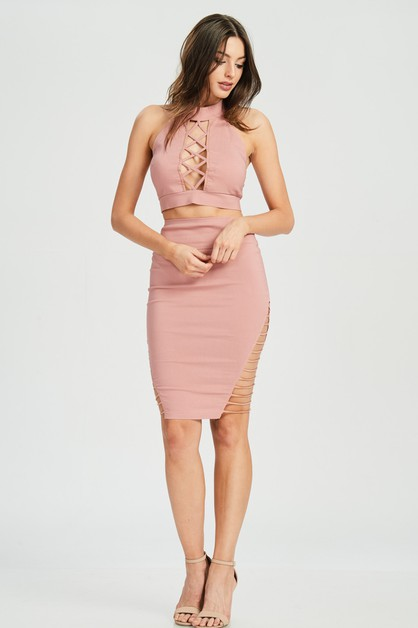 SLEEVELESS MOCK NECK CUT OUT CROP - orangeshine.com