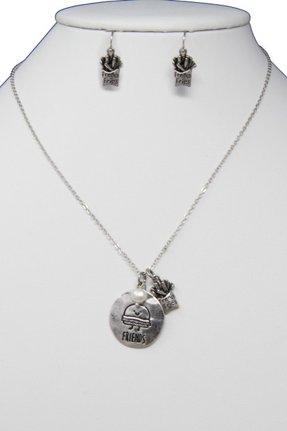 BEST FRIEND CHARM NECKLACE SET - orangeshine.com