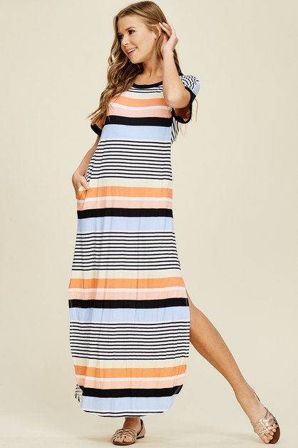 Pockets And Side Slit Maxi Dress - orangeshine.com