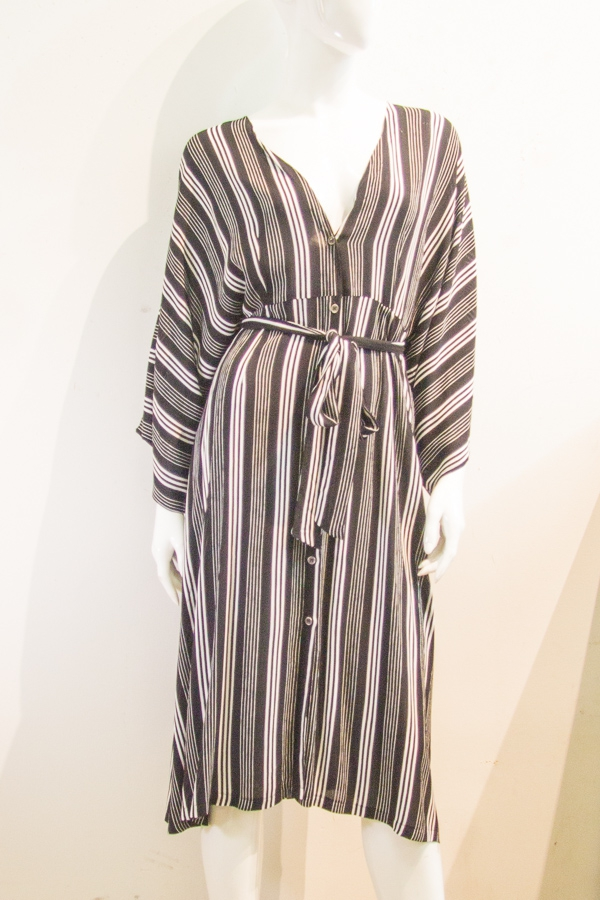 STRIPE KIMONO SLEEVE BUTTON DRESS - orangeshine.com
