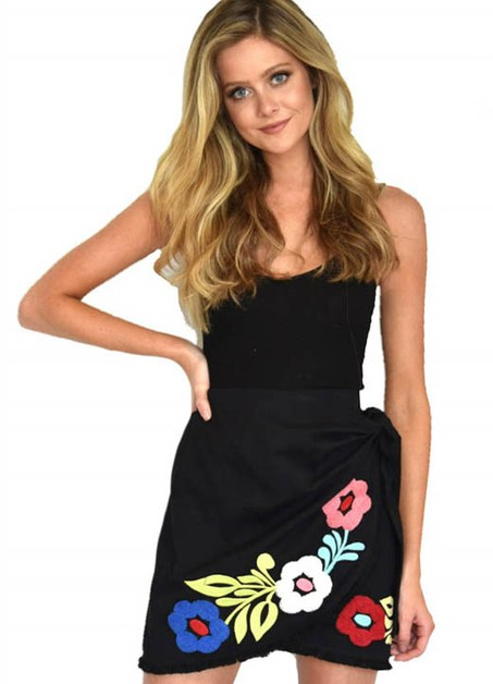 BLACK FLORAL EMBROIDERED SKIRT - orangeshine.com