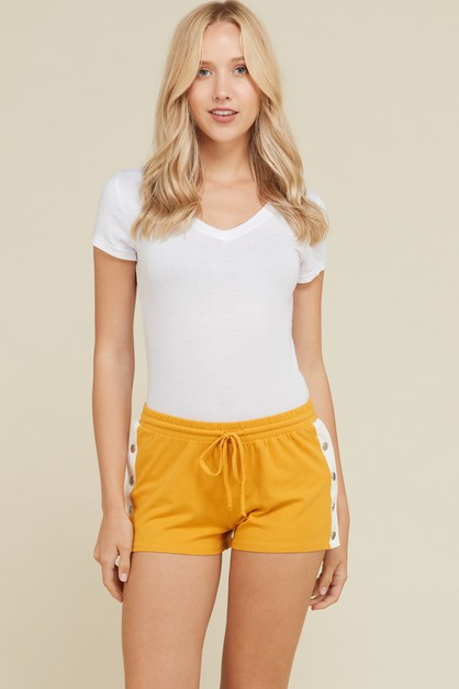 SNAP DETAIL SHORTS  - orangeshine.com