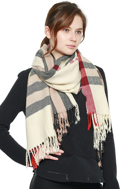 Plaid Pattern Fringed Scarf - orangeshine.com