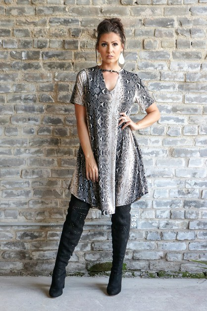 BLACK SNAKE KEY HOLE TUNIC - orangeshine.com
