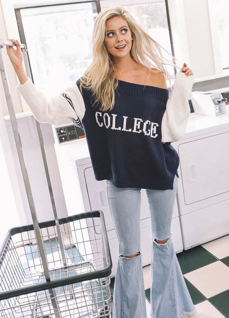 NAVY SWEATER WITH COLLEGE - orangeshine.com