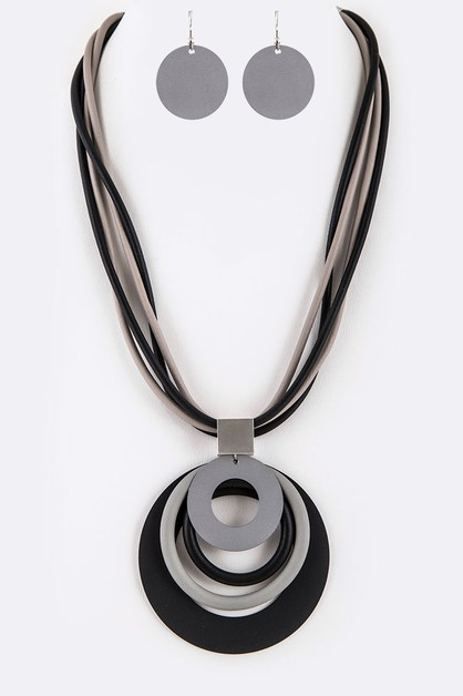 Silicon Rubber Coated Necklace - orangeshine.com