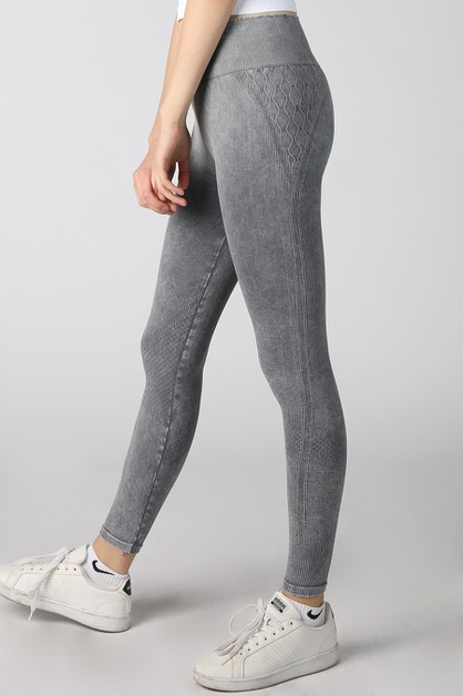 Textured Detailed Vintage Leggings - orangeshine.com