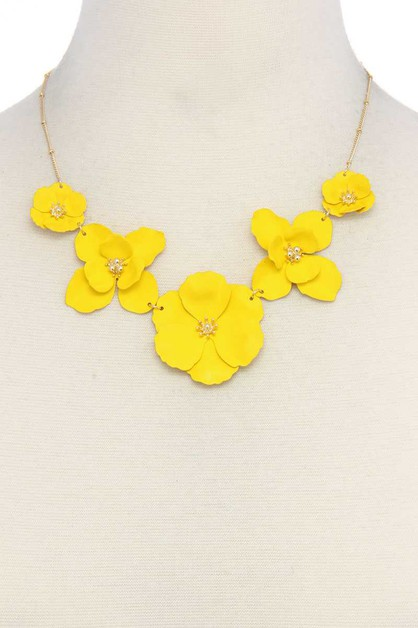 FLOWER LINKED NECKLACE - orangeshine.com