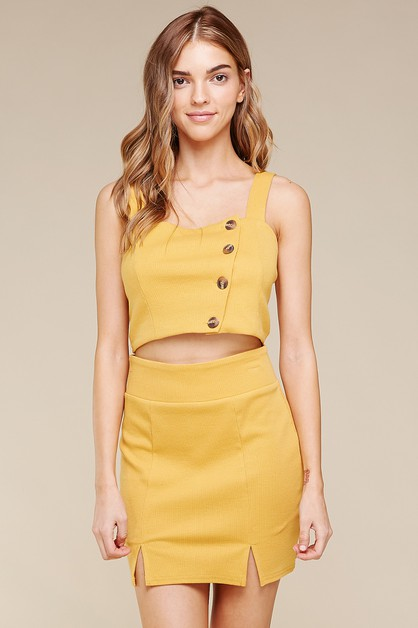 KNIT RIB BUTTON-DOWN  CROP TOP       - orangeshine.com