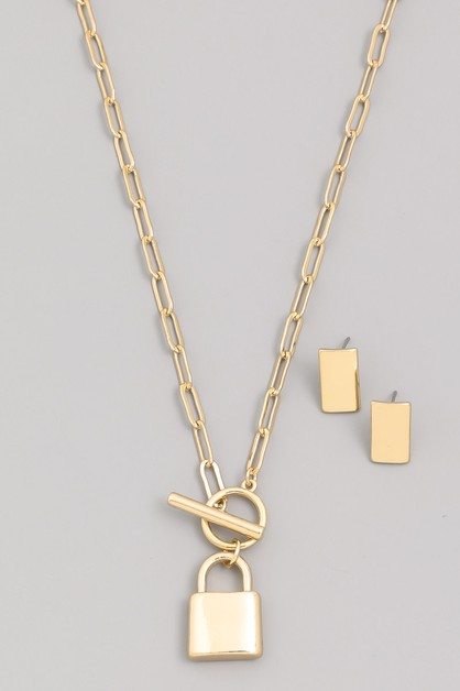 Chain Lock Pendant Necklace - orangeshine.com