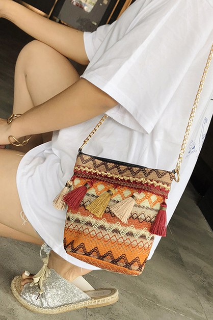 WOVEN TASSEL SHOULDER BAG - orangeshine.com