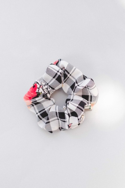 Spring Gingham Scrunchie - orangeshine.com