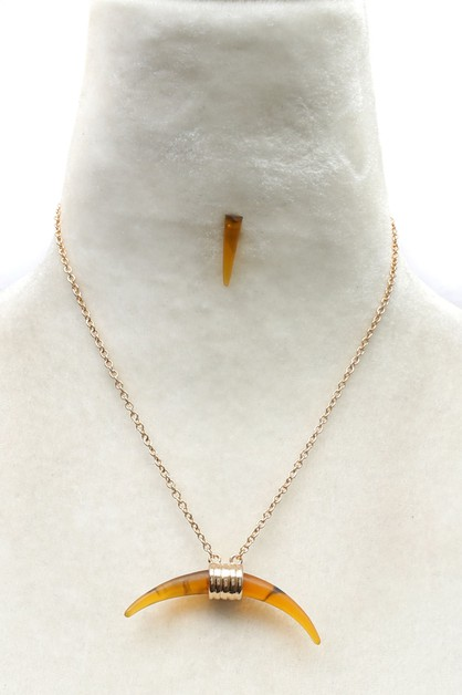 NATURAL STONE  PENDANT NECKLACE SET  - orangeshine.com