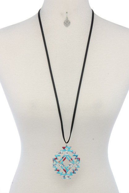 AZTEC SHAPE PENDANT NECKLACE - orangeshine.com