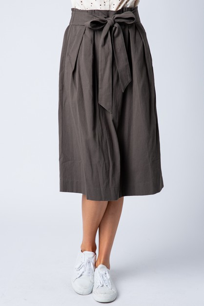 MIDI SKIRT WITH PLEATS AND SELF BELT - orangeshine.com
