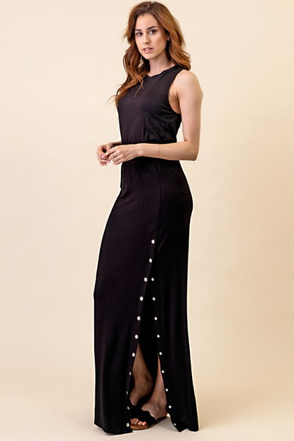 BLACK MAXI DRESS WITH SNAP BUTTONS - orangeshine.com