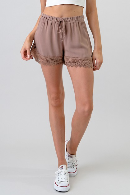 LACE BOTTOM DETAIL SHORTS - orangeshine.com