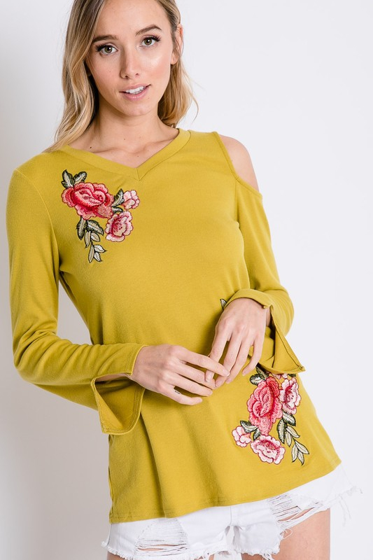 FLORAL EMBROIDERY ACCENT TOP - orangeshine.com