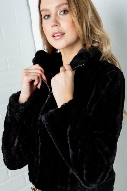 FAUX FUR SEMI CROPPED COLLARED JACKE - orangeshine.com
